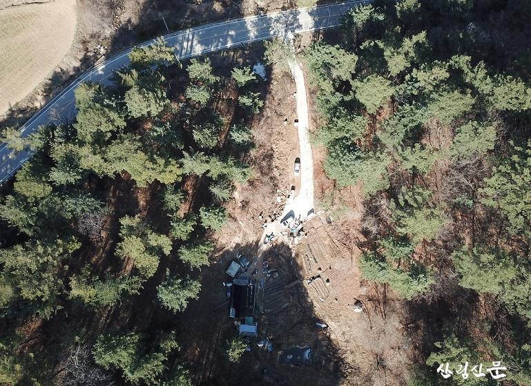 [사진자료1]무분별한 산림훼손으 로 사라지고 있는 우리 산.JPG