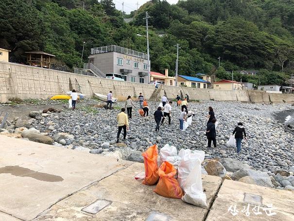울릉군 해안가 정화활동 (2).jpg