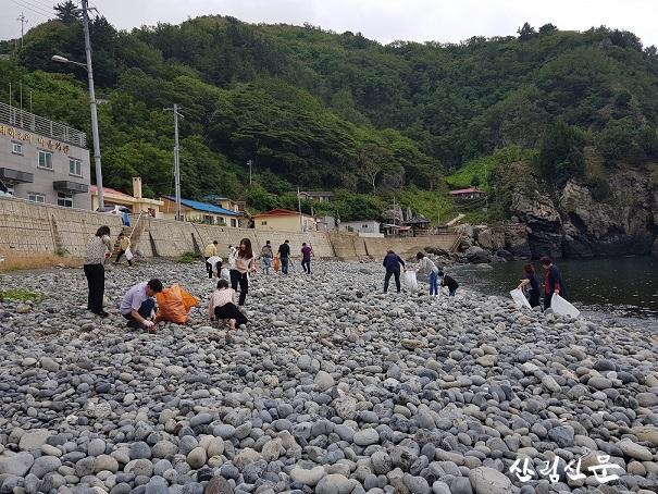 울릉군 해안가 정화활동 (1).JPG